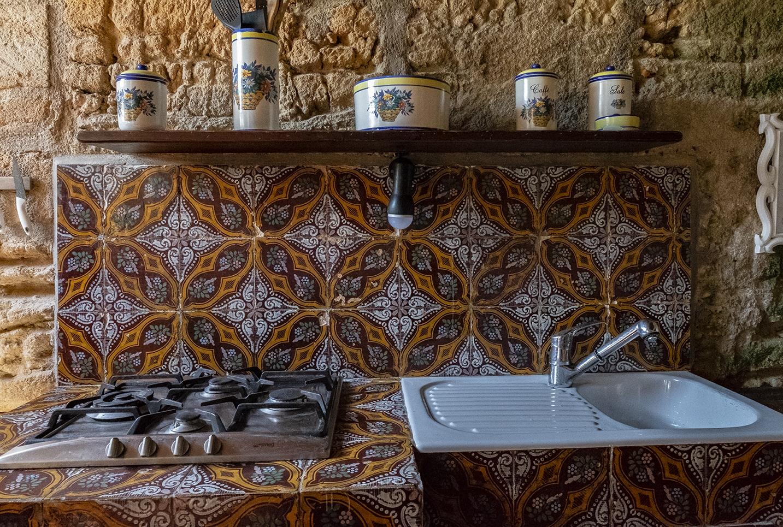 Zona cottura cucina soggiorno